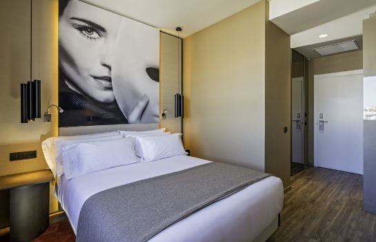 Double room (superior) NH Collection Madrid Suecia