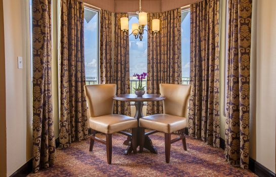 Chambre Castle Hotel Autograph Collection