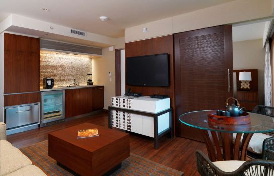 Zimmer Hokulani Waikiki by Hilton Grand Vacations
