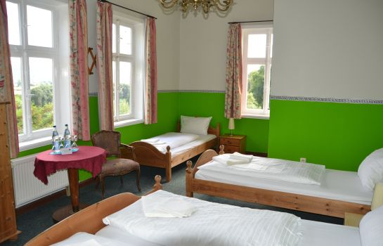 Dreibettzimmer Tonenburg Hotel- Restaurant & Eventlocation