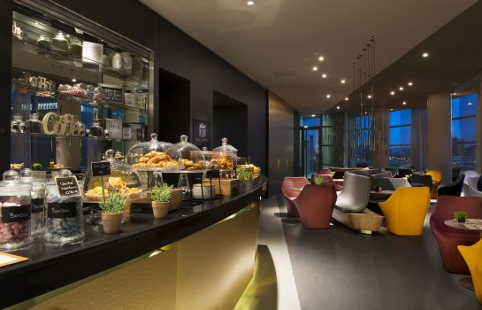 Café/Bistró Melia Paris La Defense