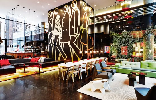 Hall citizenM Times Square New York