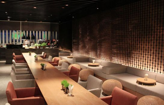 Hotel bar Silks Place Tainan