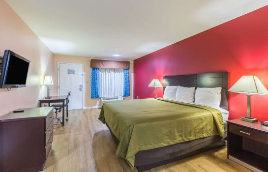Suite Econo Lodge  Inn & Suites