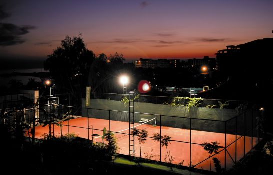 Campo de tennis Sealife Buket Resort & Beach