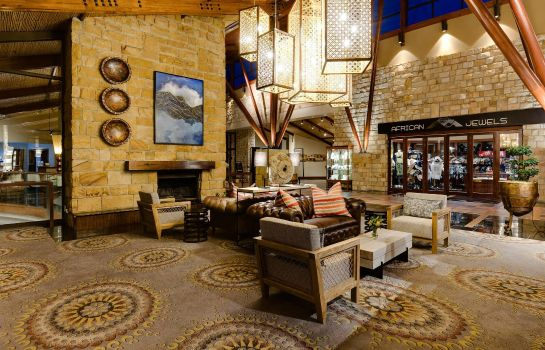 Bar del hotel African Pride Arabella Hotel & Spa Autograph Collection