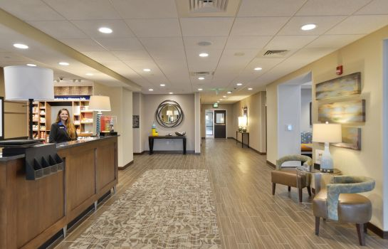 Hall Hampton Inn - Suites Chippewa Falls