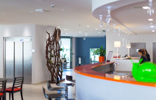 Bar del hotel Holiday Inn Express TOULON - SAINTE-MUSSE