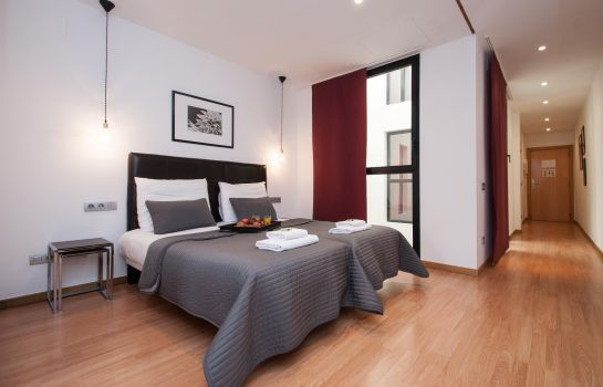 Four-bed room Short Stay Liceo Apartments