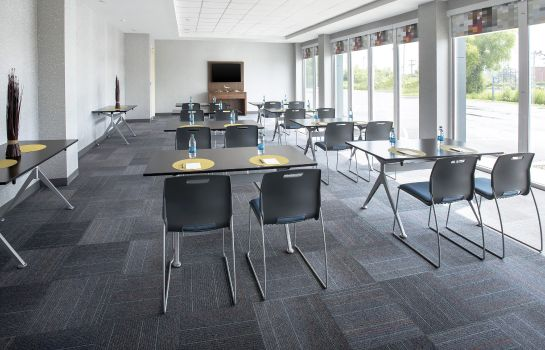 Conference room Aloft Buffalo Airport