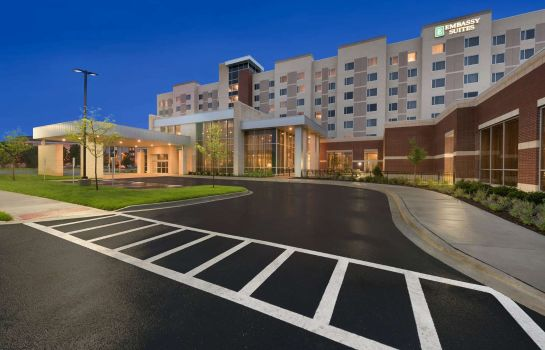 Außenansicht Embassy Suites by Hilton Chicago Naperville