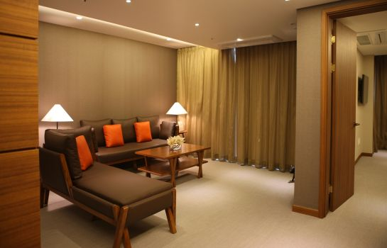 Suite Oriens Hotel & Residence Myeongdong