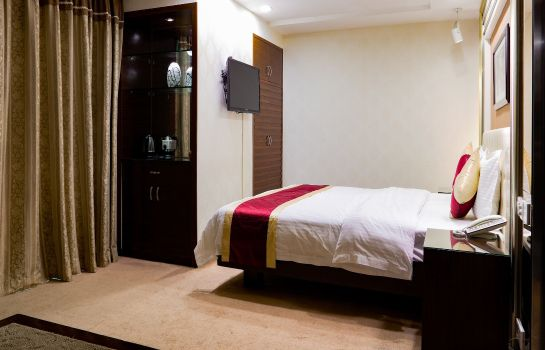 Single room (superior) New World Hotel
