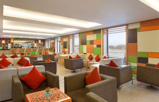 Hotel bar Ramada Resort Dead Sea