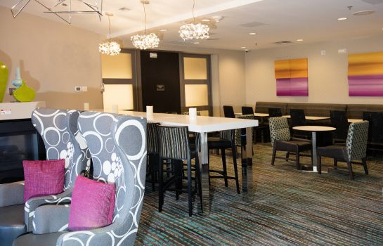 Hotel bar Residence Inn Lake Charles