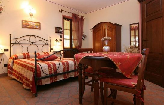 Four-bed room Cascina Bellavista