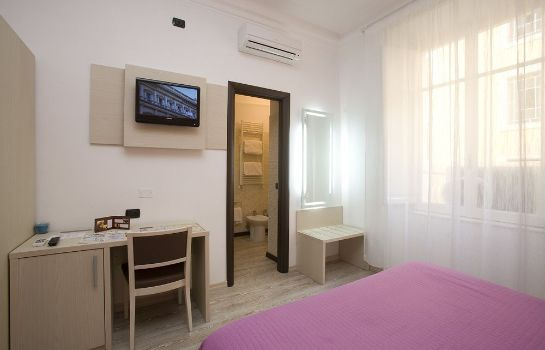 Info 111 Guest House