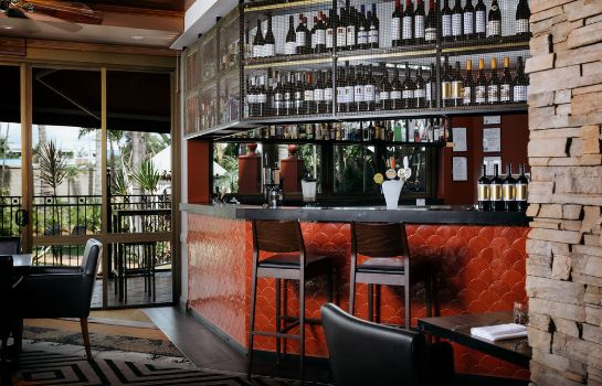 Hotel bar Townsville Southbank Apartments