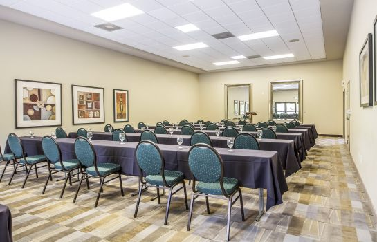 Conference room an Ascend Hotel Collection Member Gaia Hotel & Spa Redding