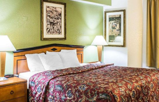 Room Econo Lodge Inn & Suites Raleigh North