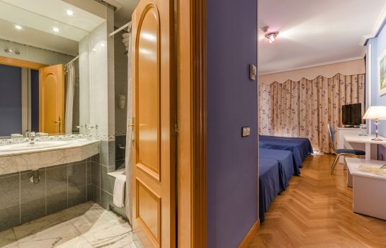 Triple room Laguna Park Madrid