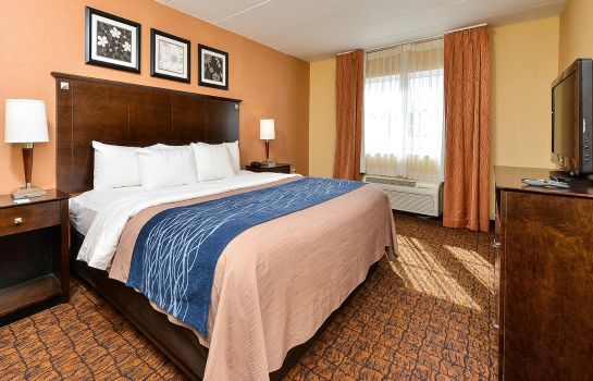 Zimmer Quality Suites Tinton Falls