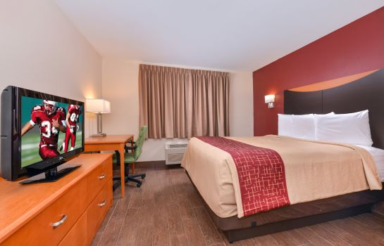 Zimmer IL Red Roof Suites Danville