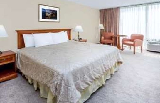 Suite TRAVELODGE PEORIA HOTEL AND CO