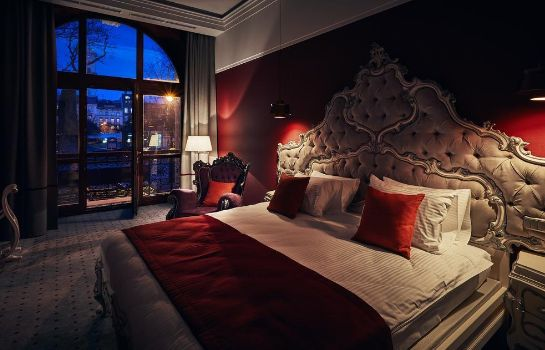 Suite Grand Hotel in Lviv