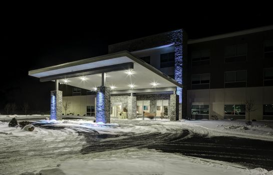 Buitenaanzicht Holiday Inn Express & Suites COLDWATER