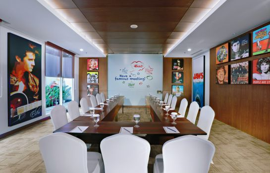 Meeting room Fame Hotel Sunset Road