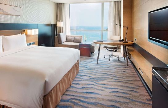 Camera Hilton Yantai Golden Coast