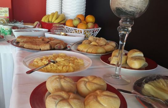 Buffet prima colazione Hostel 4 You