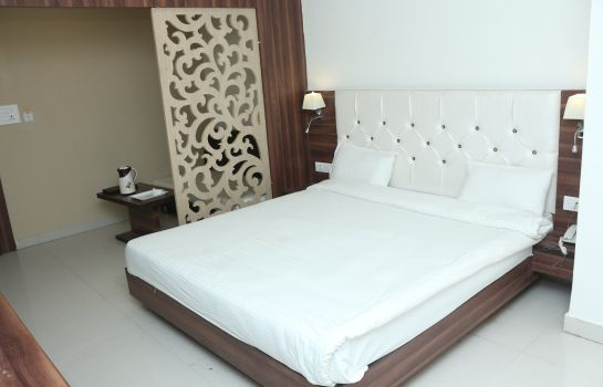 Suite SUDARSHAN CITY WALK