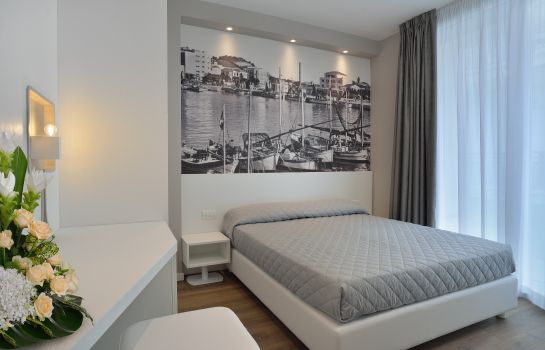 Double room (standard) Embassy Hotel & Spa