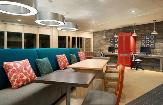 Hotelhalle Home2 Suites by Hilton Roanoke