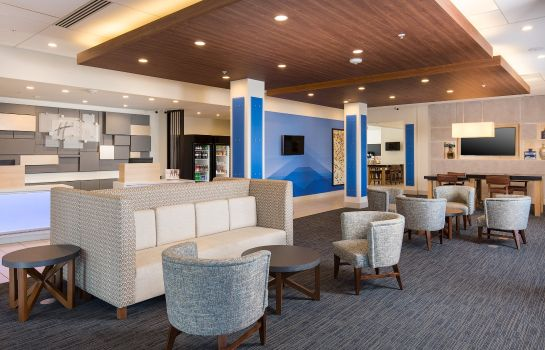 Hotelhalle Holiday Inn Express VISALIA