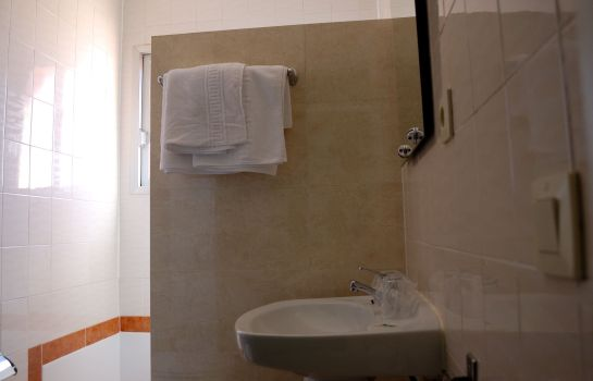 Bagno in camera Les Torres Hostal