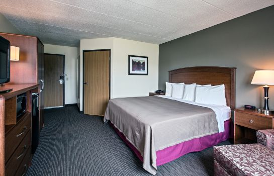 Zimmer AmericInn Grundy Center