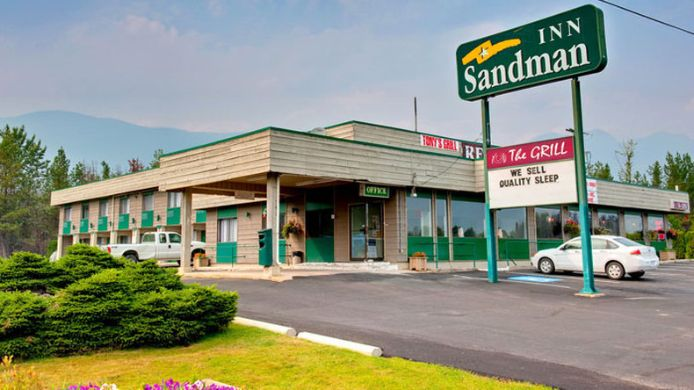 Vista exterior Sandman Inn Blue River
