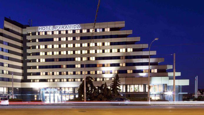 Orea Hotel Pyramida Hotel De 4 Hrs Estrellas En Praga