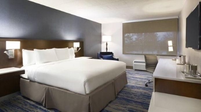 Room Delta Hotels Detroit Metro Airport