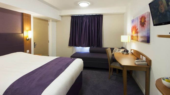 Zimmer Premier Inn London Harrow
