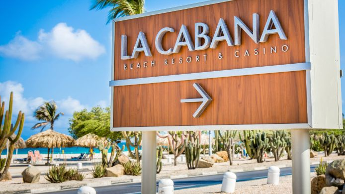 Buitenaanzicht La Cabana Beach Resort and Casino an Asc
