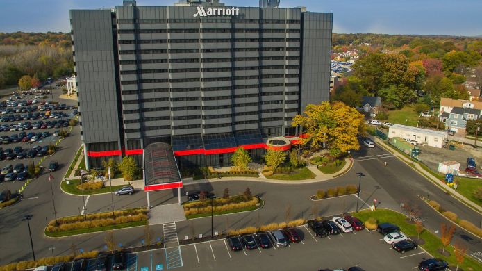 Vista exterior Teaneck Marriott at Glenpointe