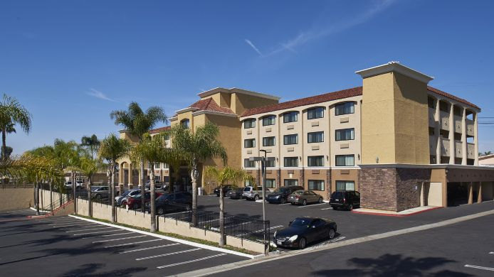 Exterior view Holiday Inn Express SAN DIEGO SOUTH-NATIONAL CITY