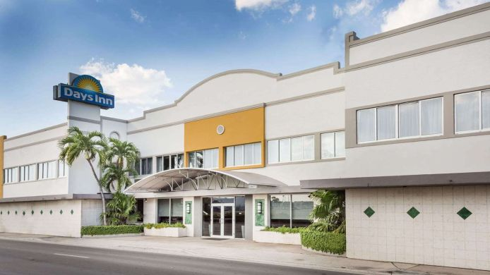 Außenansicht Days Inn by Wyndham Miami Airport North