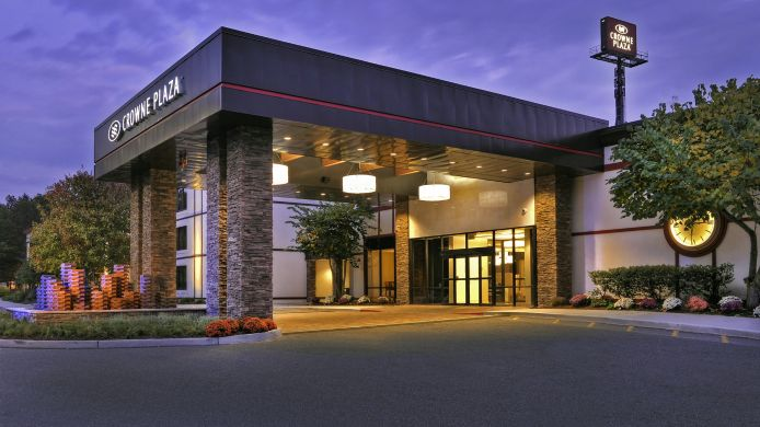 Vista esterna Crowne Plaza SUFFERN-MAHWAH