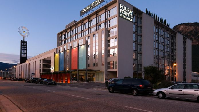 Vista exterior Four Points by Sheraton Bolzano