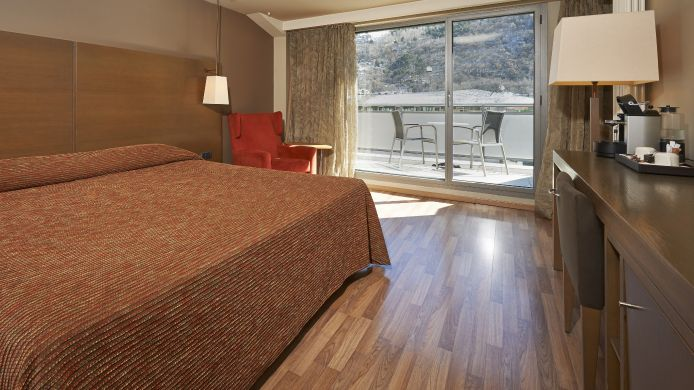 Room with a view of hills/mountains Hesperia Andorra la Vella